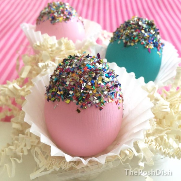 Easter eggs, glittered eggs, Easter DIY, Easter crafts, coloured eggs
