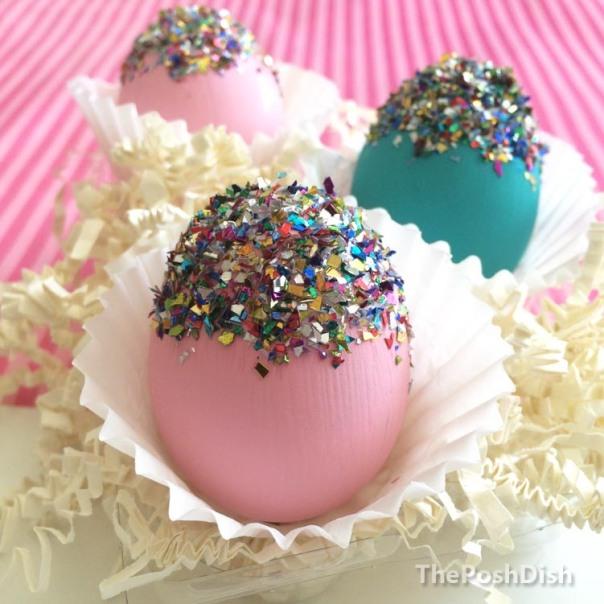 Easter eggs, glittered eggs, Easter DIY, Easter crafts, coloured eggs